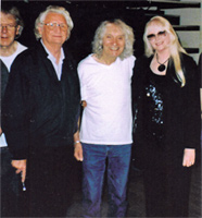 "Albert Lee with Ron and Rosalind … and my thanks to Rosalind's ""trusty"" Nikon camera for the photos"